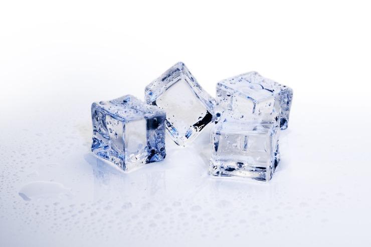 ice-cubes-3506782_1920 (1)
